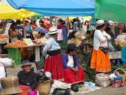 Ecuador Rundreise - Markt in Otavalo