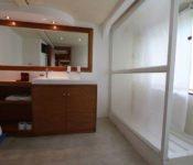 Galapagos Kreuzfahrt Katamaran Millenium - Bad der Suite