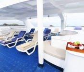 Galapagos Kreuzfahrt Katamaran Millenium - Sonnendeck