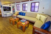 Galapagos Kreuzfahrt Yacht San José - Lounge