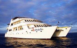 Athala - Katamaran Galapagos Kreuzfahrten