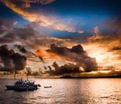 Galapagos Kreuzfahrt Yacht Golondrina bei Sonnenuntergang