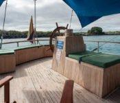 Galapagos Segelyacht Beagle - Teakholz Deck