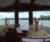 Amazonas Kreuzfahrt Peru - Essbereich der Cattleya Journey