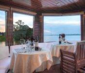 Amazonas Kreuzfahrt Peru - Cattleya Journey Essbereich