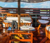 Amazonas Kreuzfahrt Peru - Cattleya Journey Lounge an Deck