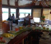 Cattleya Journey - Frühstück