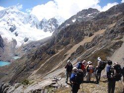 Wanderer in der Cordillera Huayhuash - Peru Trekking Tour