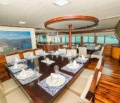 Galapagos Kreuzfahrt Yacht Galaven - Essraum