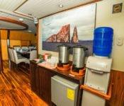 Galapagos Kreuzfahrt Yacht Galaven - Kaffeebar