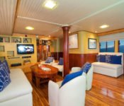 Galapagos Kreuzfahrt Yacht Galaven - Lounge