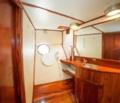 Galapagos Kreuzfahrt Yacht Reina Silvia - Bad