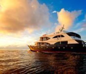 Ocean Spray - Galapagos Sonnenuntergang