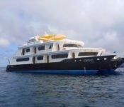 Galapagos Kreuzfahrt Katamaran Petrel