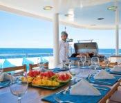 Galapagos Kreuzfahrt KatamaranCormorant - Essen draussen