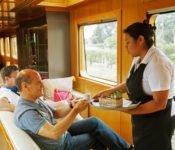 Tren Crucero - Zugreise durch Ecuador - Bar