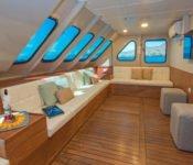 Tip Top II Galapagos Kreuzfahrt Katamaran - Lounge