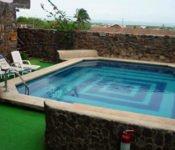 Hosteria Pimampiro, San Cristobal - Swimming Pool