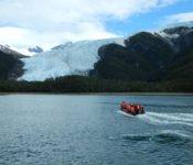 Australis Kreuzfahrten - Zodiakfahrt zum Aguila Gletscher