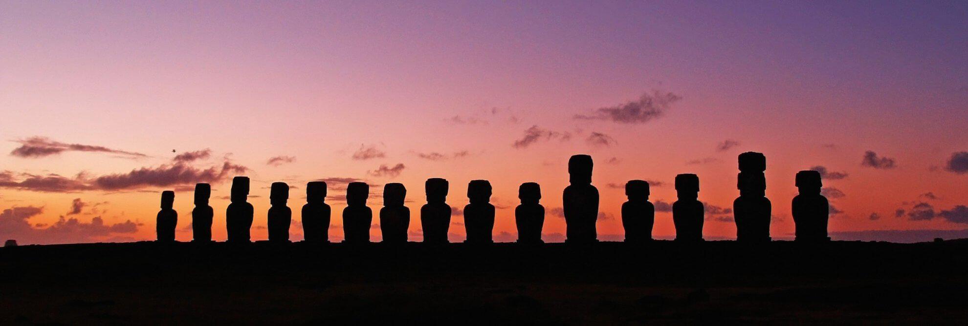 Osterinsel Rapa Nui - Tongariki bei Sonnenaufgang