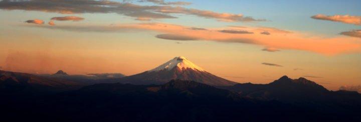 Ecuador Reise - Cotopaxi bei Sonnenuntergang