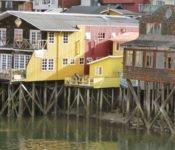 Stelzenhäuser in Castro